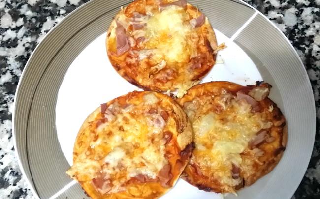 Unas pizzas hechas con obleas
