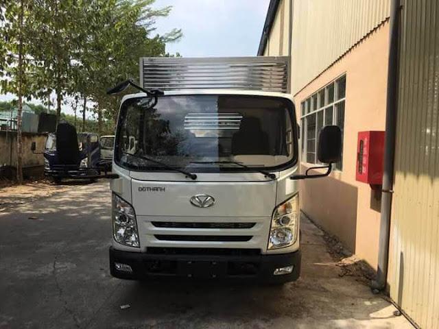Xe tải IZ65 Đô Thành 2.5 tấn thùng kín model cabin mới