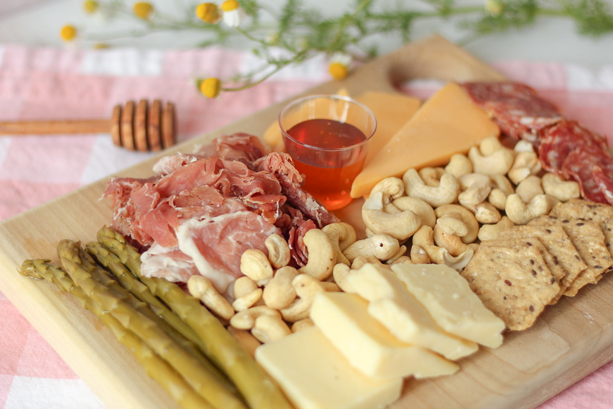 The 3 Secrets To Make Beautiful And Delicious Charcuterie Boards