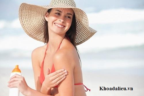 Phương pháp chăm sóc da bị đồi mồi hiệu quả