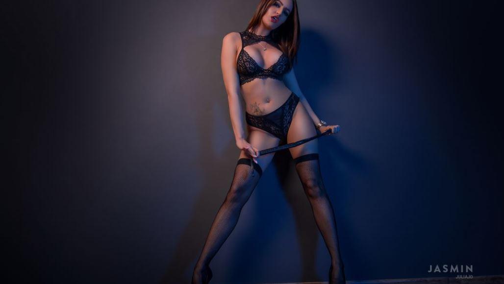 https://www.glamourcams.live/chat/JuliaJo
