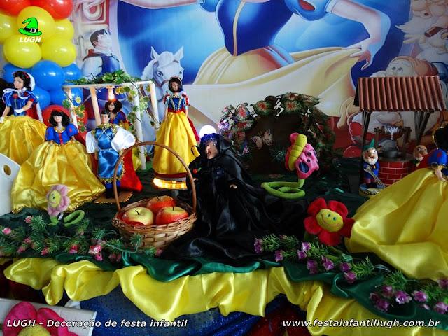 Mesa decorativa Branca de Neve, festa infantil