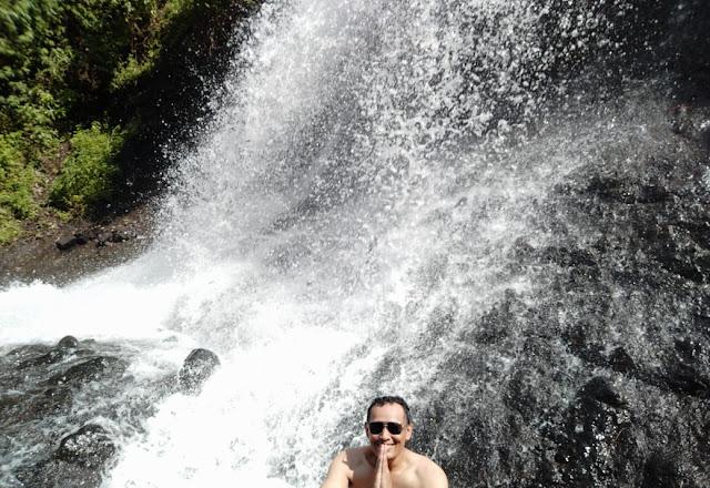 wajib mandi di bawah air terjun curug sudimoro kebumen