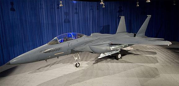 Gambar 13. Foto Pesawat Tempur F-15 Silent Eagle