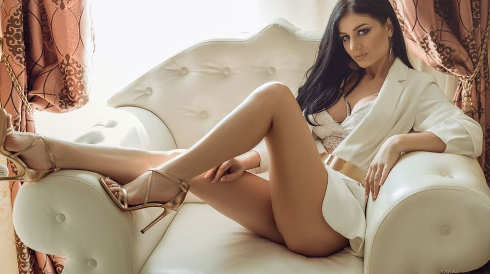 LaylaJ Model GlamourCams