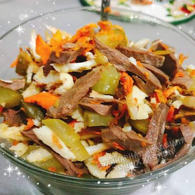 Салат с сердцем и яичными блинчиками