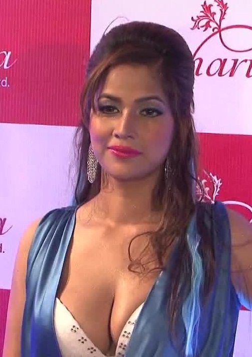 Tanisha Singh Hot Photos