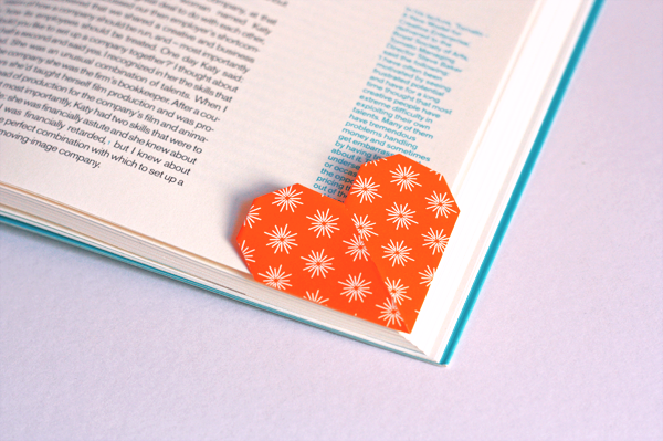Origami Heart Bookmark Instructions - Paper Kawaii | 399x600