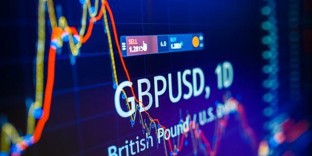 Валютная пара GBP/USD попала под новое давление продаж