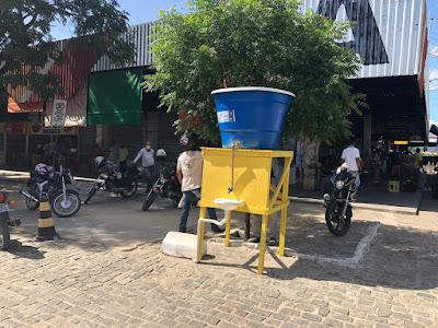 Secretária municipal de infraestrutura instala pias comunitárias nas feiras livres de Jequié
