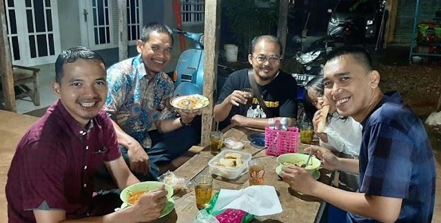 Sosok Insfiratif Kang Ade, Usahawan Roti Bakar Bandung-Pamulang