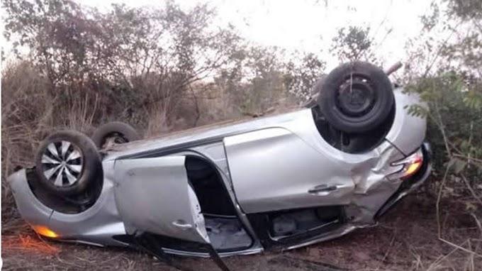 OESTE: Quatro pessoas ficam feridas após motorista perder controle e capotar em Riachão das Neves-BA