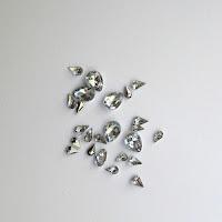 https://www.essy-floresy.pl/pl/p/Mix-koralikow-akrylowych-szlifowanych/2141