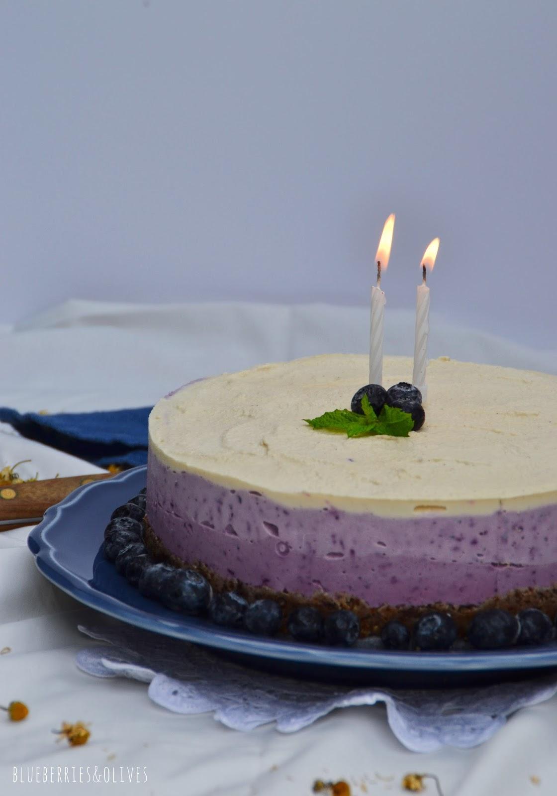 BLUEBERRY FROZEN CAKE