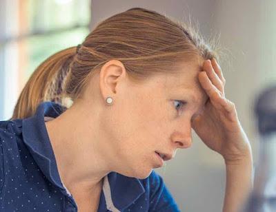 هل القلق يسبب غازات البطن