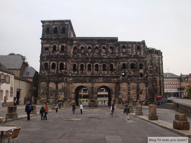 Roteiro pelo Rio Mosel (Alemanha) com vinícolas - Porta Nigra em Trier