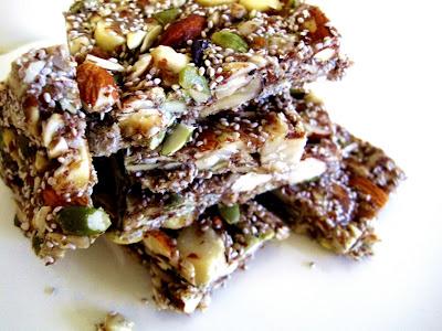 Crunchy Honey Nut Snack bars raw snacks