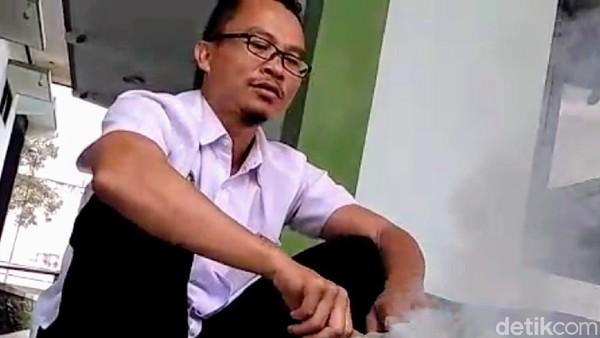 Dokter Ini Yakin Asap Tembakau dan Garam Bisa Tangkal Corona, Caranya?