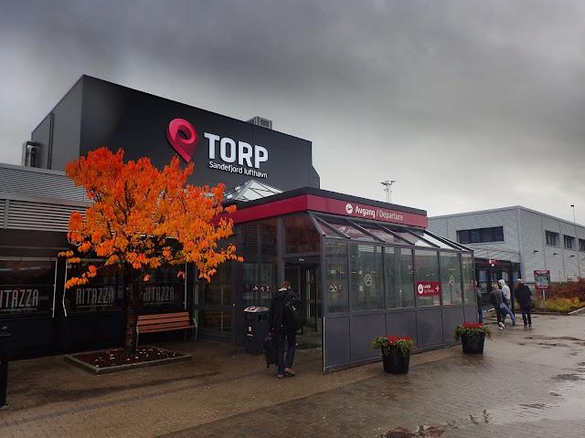 Budynek portu lotniczego Oslo - Sandefjord Torp (TRF)