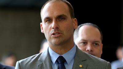 Filho de Bolsonaro entra em disputa bilionária de donos da JBS