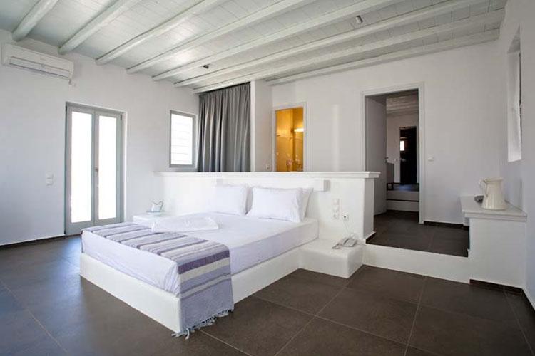 rizes-bedroom2