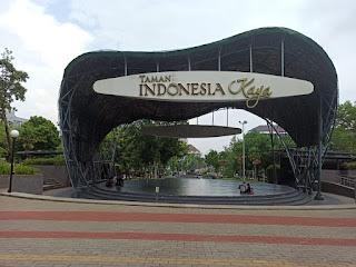 panggung utama taman indonesia kaya