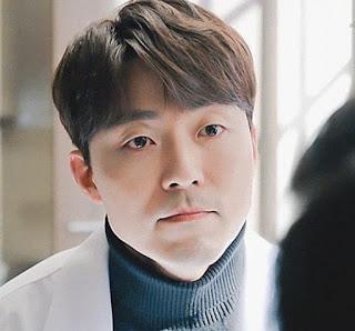 Pemeran dokter Kim Yoon Ki dalam serial the world of the married