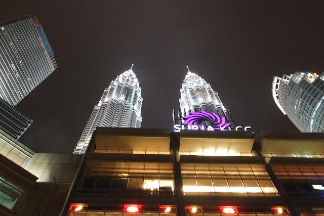 ペトロナスツインタワー Petronas-twin-tower