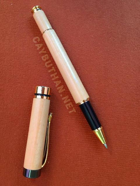 bút gỗ quà tặng nắp đen