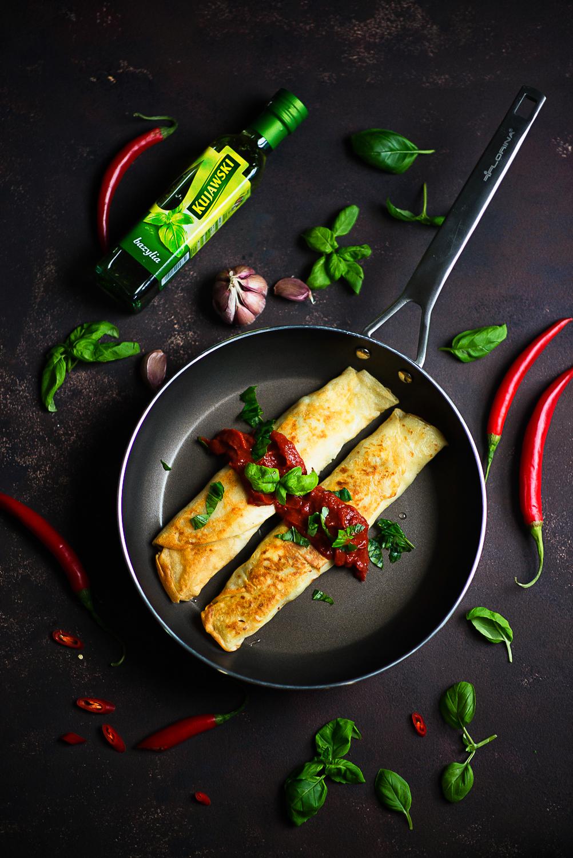 Recenzja patelni Florina Oil Control i przepis na naleśniki z brokułem, serem ferta i kurczakiem, w sosie pomidorowym