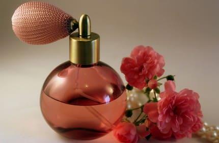 parfum bunga mawar
