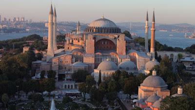 «Παγώνει» η μετατροπή της Αγια-Σοφιάς σε τζαμί