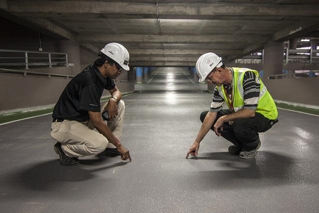 construction-ka-kaam-thekedar-builder