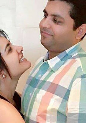 Raashi Khanna with her brother