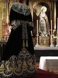 Bendecida la nueva saya de la Virgen del Valle, obra de los Talleres de Fernando Calderón