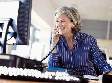 Blog Para Aprender Ingles Conversación En Inglés 2 Mujeres Hablando De Negocios Por Teléfono