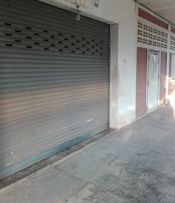 ขายบ้านพร้อมที่ดิน รีโนเวท ทำร้านค้าได้ จังหวัดลำปาง 1 งาน 9 ตารางวา ถนน ลำปาง-เชียงใหม่
