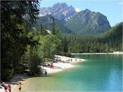 Turismo e vacanze in Trentino - Laghi piu' belli - Lago Smeraldo
