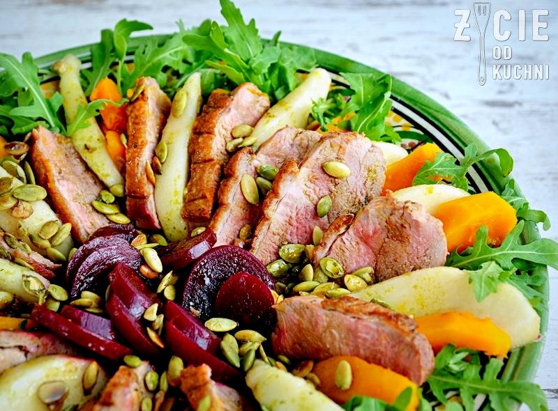salatka, sosta, olej sosta, kaczka, piers z kaczki, danie na impreze, salatka z rukola, kolacja we dwoje, zycie od kuchni