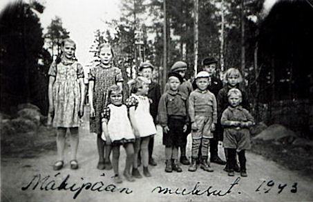 Mäkipään lapsia v. 1943.