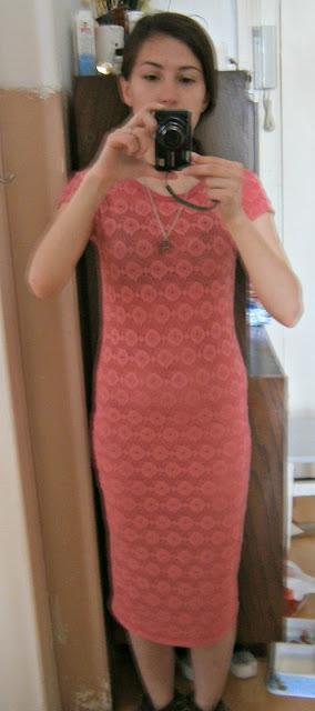 Adzik tworzy - skracanie za długiej sukienki DIY