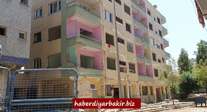 Diyarbakır Şehitlikte yıkım tehlikesi yaşayan 3 apartman yıkılacak