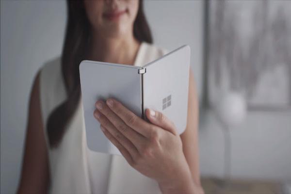 ظهور معلومات جديدة عن هاتف مايكروسوفت المنتظر Microsoft Surface Duo