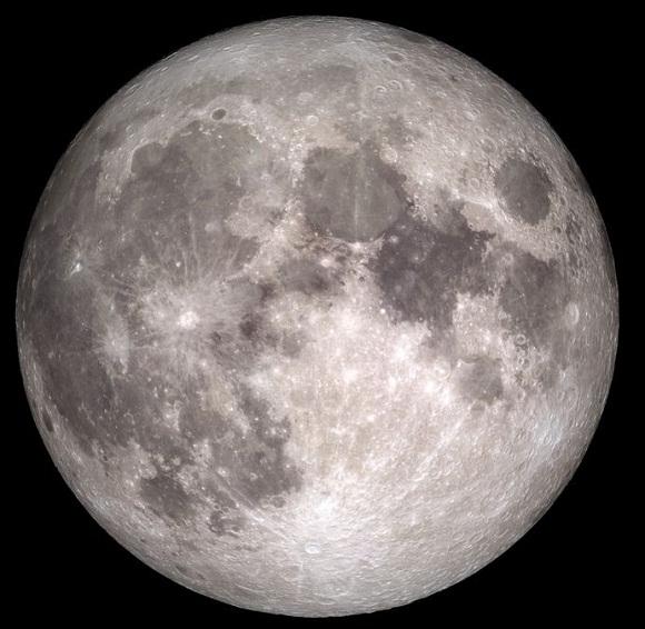 مركبة صينية تعثر على مواد يمكن أن تسهم في كشف معطيات جديدة عن القمر