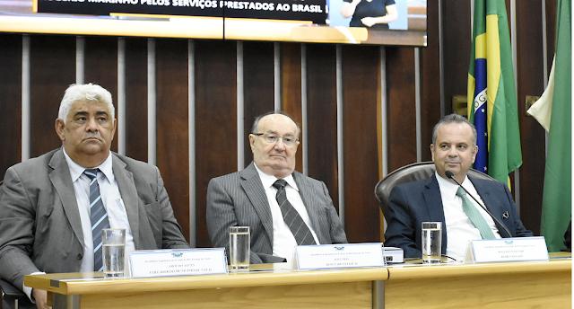CANDIDATO DO MINISTRO, AROLDO ESTÁ DE MELÉ BEBO