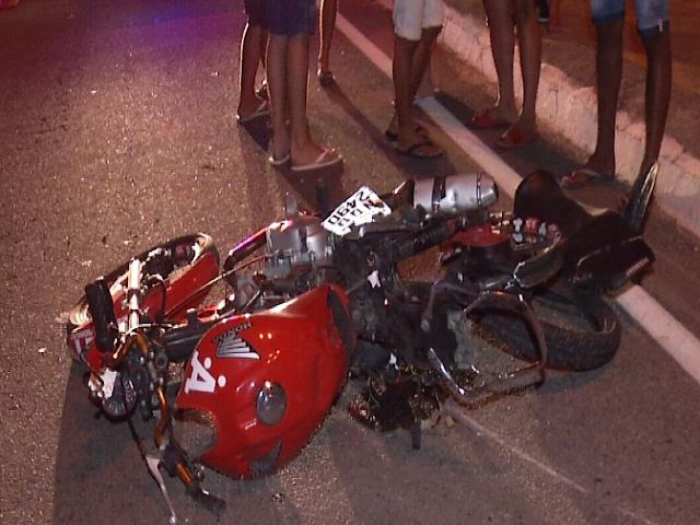 Jovem morre ao tentar fazer manobra 'Superman' durante pega de motos em Pacatuba
