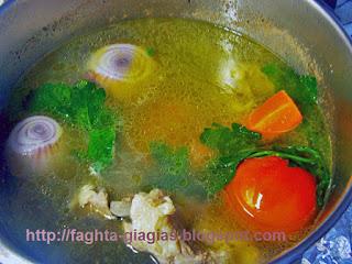 Ζυγούρι βραστό με κοκκινιστό τραχανά - από «Τα φαγητά της γιαγιάς»