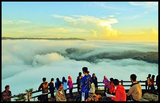 Keindahan Sunrise di Gardu Pandang Kebun Buah Mangunan Bantul Yogyakarta