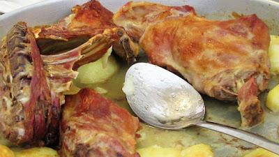 Janjetina ispod peke ( kućna verzija / elek.peka ) / Roasted lamb prepared under a baking bell (homemade)