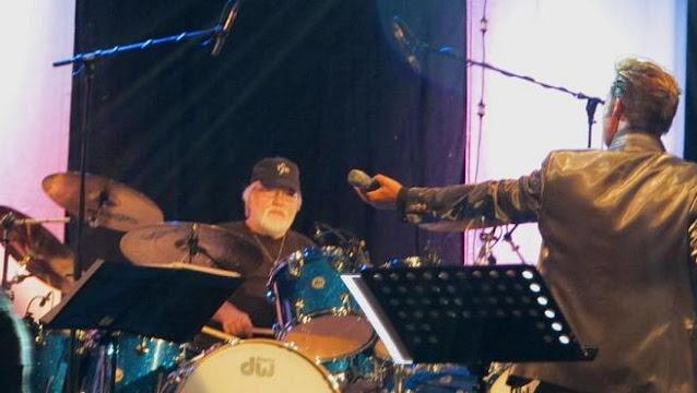 Ronnie Tutt, en un concierto en 2013